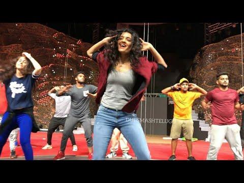 Dhaari Choodu Song Dance By Ritika Singh