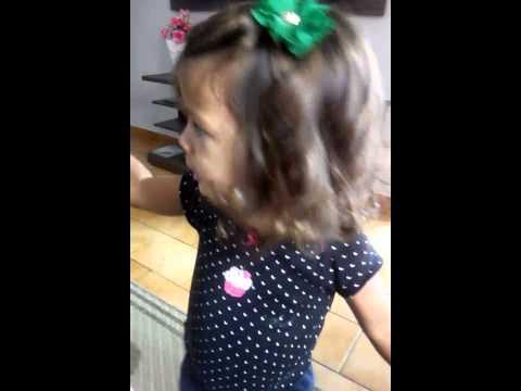 Ana Julia brigando c Bel