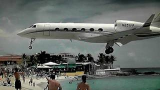 Famous Maho Beach St maarten Princess Juliana Int'l Airport(Behind the Scenes!! (https://www.youtube.com/watch?v=zsHkpEjUBVA) Follow me on Facebook!, 2011-04-22T20:35:02.000Z)