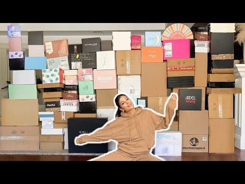 THE BIGGEST PR UNBOXING EVER...THIS IS SO CRAZY.. so much stuff