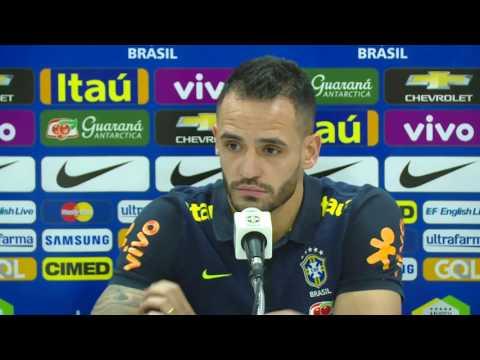 Seleção Brasileira: Coletiva Renato Augusto e Douglas Costa - 07/11/2016