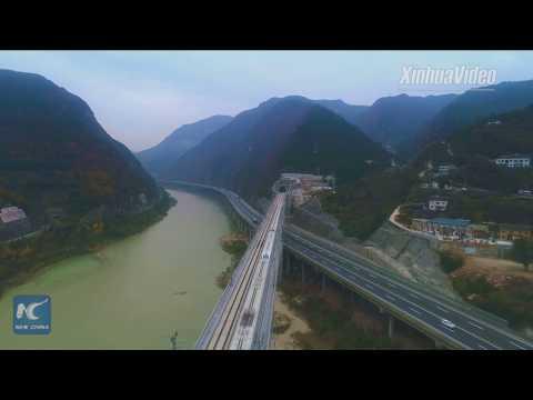 First bridge at Sichuan section of Xi'an-Chengdu High-speed rail line