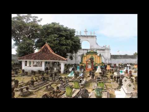 asta-tinggi-sumenep---jawa-timur-|-tempat-wisata-di-indonesia