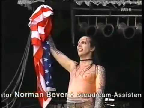 Marilyn Manson flag in ass!!!