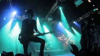 VersaEmerge: Your Own Love (TOUR VIDEO)