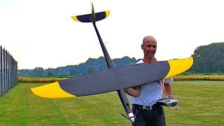 EXTREM STUNNING !!! RC SPEED APP. 500KMH 308MPH BIG MONSTER FROM HJK SPEEDWINGS FLIGHT DEMONSTRATION