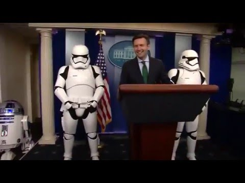 Stormtroopers, R2 D2 take over the White House