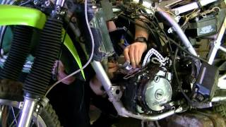 Motorcycle - Kawasaki KLR 250 rebuilt - time ellipse! (720HD)