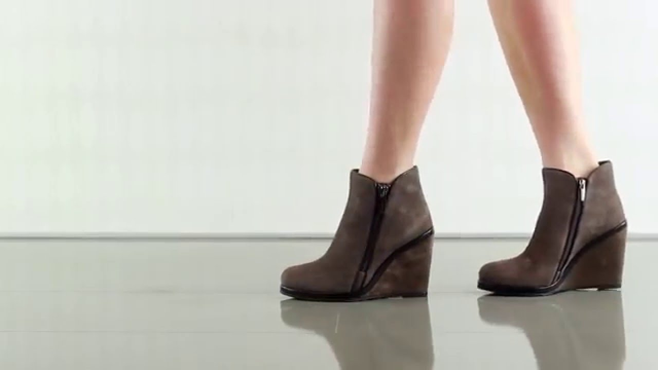 a4a9f7539ac8 Jeffers in Mdngt Taupe Blk Verona Vince Camuto - YouTube