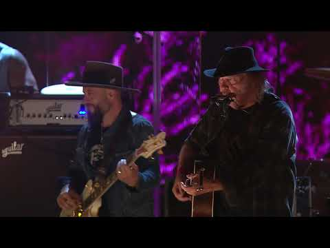 Neil Young & Promise of the Real - Heart of Gold (Live at Farm Aid 2018)