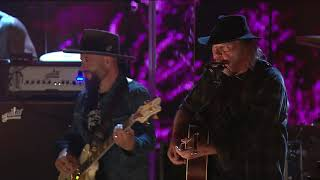 Video Neil Young & Promise of the Real - Heart of Gold (Live at Farm Aid 2018) download MP3, 3GP, MP4, WEBM, AVI, FLV September 2018