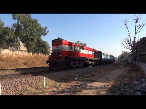 [IRFCA] Allahabad-Jaipur Superfast Express entering Gandhinagar Jaipur meet speeding freight Train