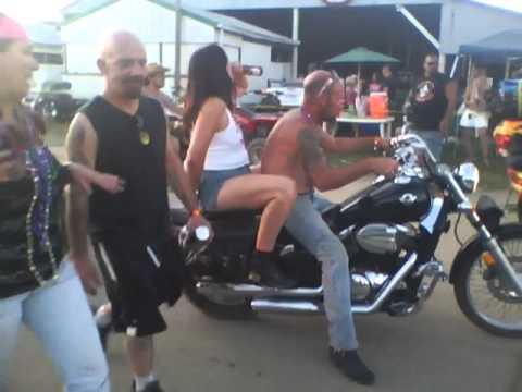 One drunken stroll through easyriders 2011 in fowlerville mi part 1