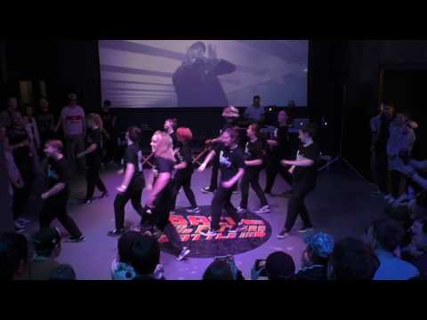 Kriss n Girls popping  showcase Back to the future battle 2017