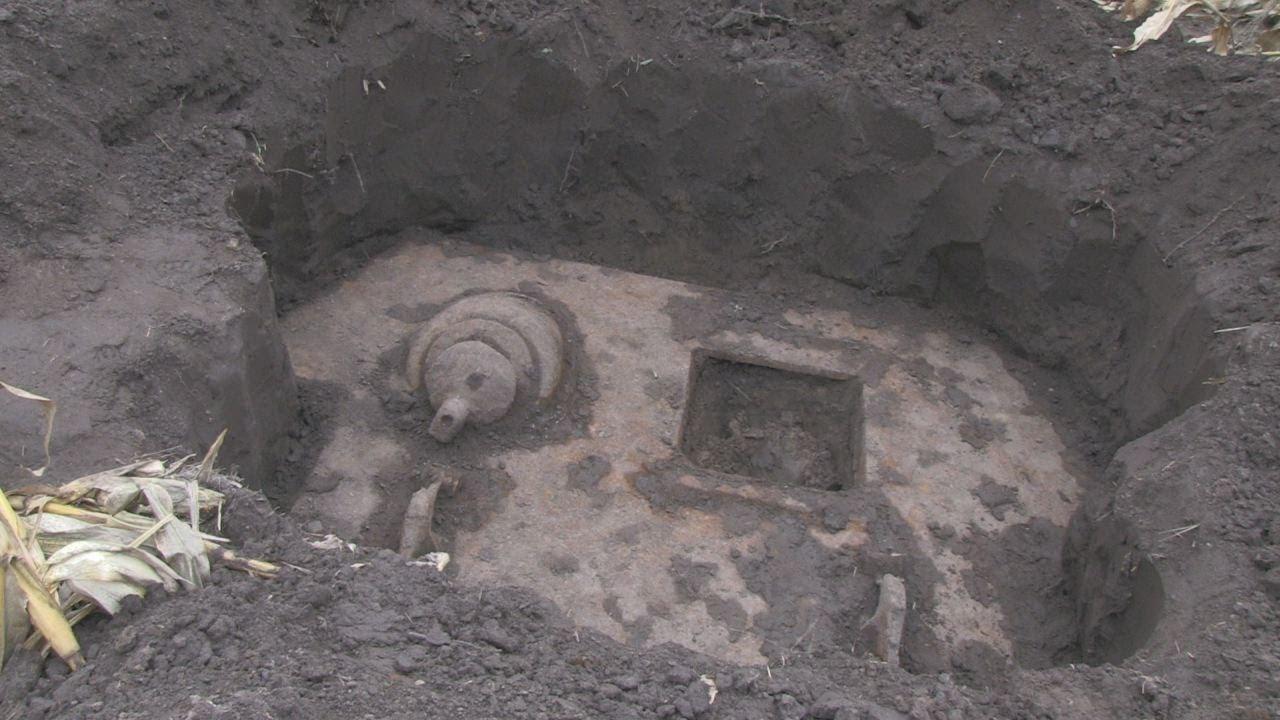 На житомирщині пошуковці розкопали танк, який пролежав у зем.