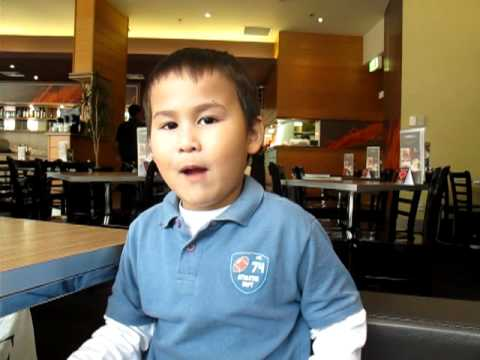 Ghini sings Bac Kim Thang