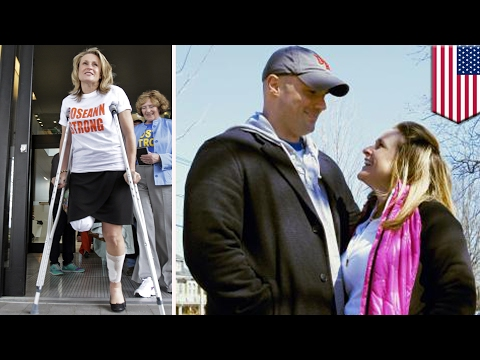 Boston Marathon bombing survivor is getting married to the firefighter who rescued her - TomoNews