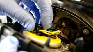 BMW 1 and 3 series E87 E90 M sport steering wheel and airbag removal
