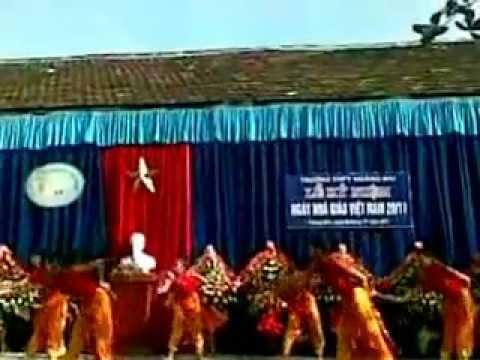 Nhạc Hoa [Mít Tinh 20-11-2011 Trường THPT Hoàng Mai]