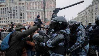 video: Navalny's wife detained amid mass arrests as protests sweep across Russia
