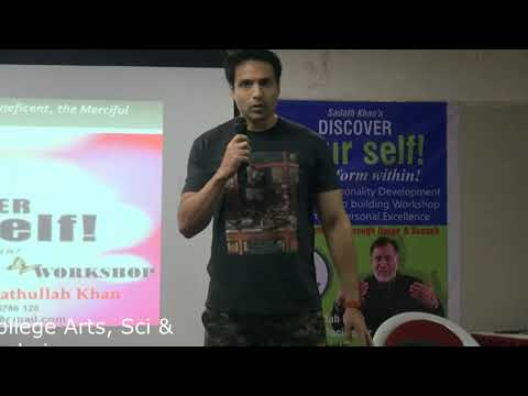 ACTOR IQBAL SHARING HIS EXPERIENCE OF DISCOVER YOURSELF WORKSHOP