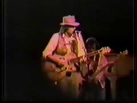 Neil Young w/ The International Harvesters - August 17, 1985 - Toronto, Canada