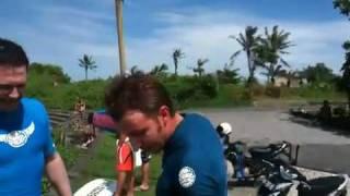 Третий урок серфинга от очкарика