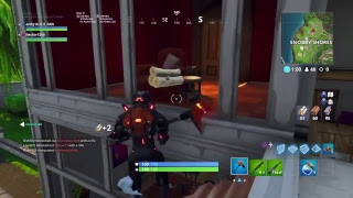 Fortnite Dous going for the win