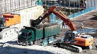 6/17UP 再開発現場で鉄筋団子の積み込み!ユンボの押しが激しい!大阪市中央区 thumbnail