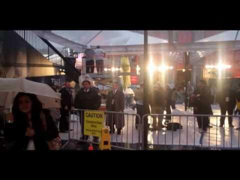 Academy Awards Red Carpet On A Rainy Day (2011 Oscars)