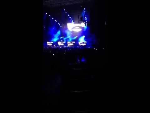 A$AP Rocky Wild For The night ft. Skrillex live