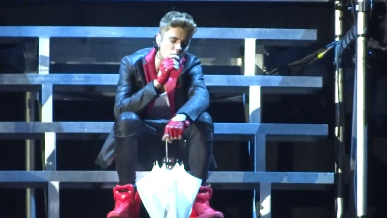 Love Me Like You Do - Justin Bieber @ BELIEVE TOUR Ottawa ...  Love Me Like Yo...