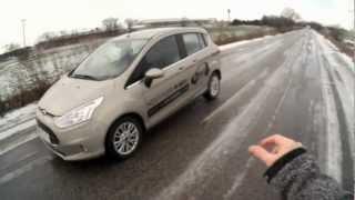Zabuchnutý kľúč v aute