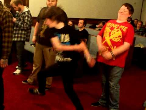 lil kid kills the pit