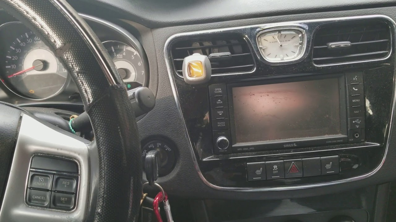 2012 chrysler 200 radio problems