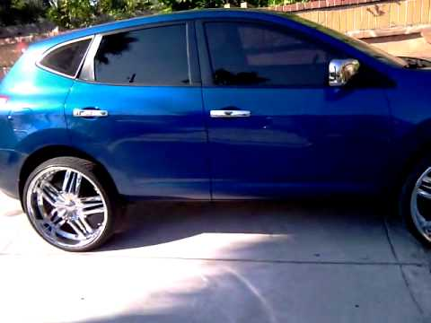 First 2009 Nissan Rogue on 24s - YouTube