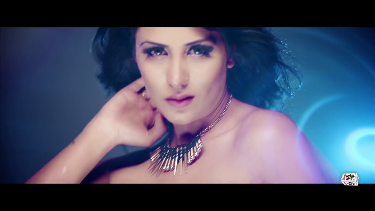 Download Desi Girl (Full Video)   Bhuvi Vchitra   New Punjabi Songs 2016