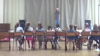 """Парень """"поёт"""" песню Егора Крида """"Будильник"""" Очень смешно"""