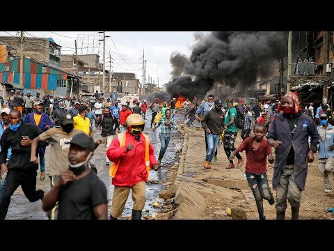 Riot breaks out in Kenya as homes demolished amid curfew