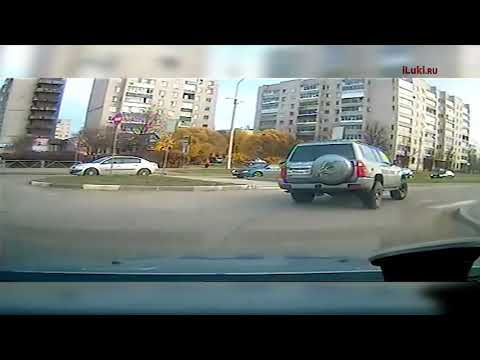 Погоня сотрудников ДПС за автомобилем нарушителя в Великих Луках