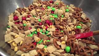 Easy Delicious Muddy Buddies Or Puppy Chow Recipe And Gift Ideas For The Holidays