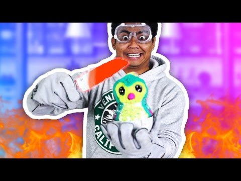 Thumbnail: 1000 DEGREE KNIFE VS HATCHIMAL!