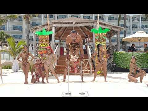 Afro Handstand - Luis Yepez