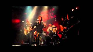 Smoking Gun by Hunter & The Dirty Jacks live at Harvelle