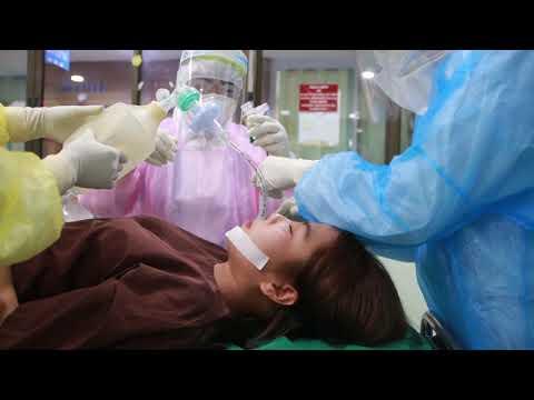 การใส่ท่อช่วยหายใจผู้ป่วย PUI COVID 19 IPD โรงพยาบาลนายูง