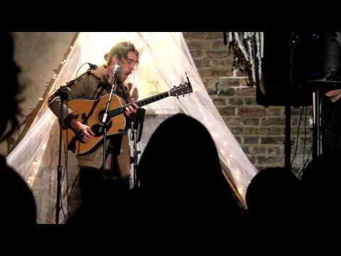 Matt Corby Secret Garden Show in London - Runaway