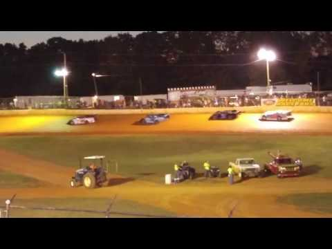 Racing at 411 Motor Speedway