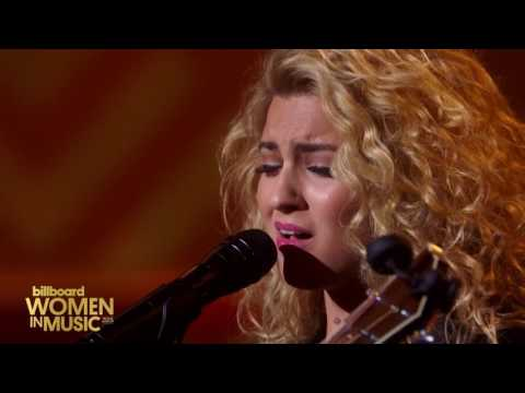 Tori Kelly - Hollow (Live at Billboard Women in Music 2015)