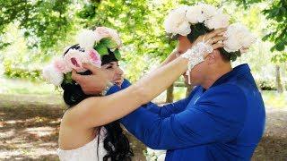 Невеста потрясающе поет о любви на свадьбе. Очень трогательно.
