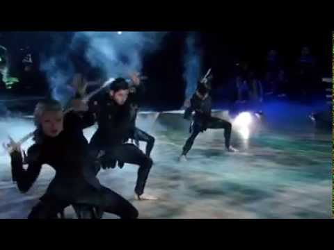 The Hunger Games Dancing by Willow Shields Primrose EverdeenColdplayAtlas